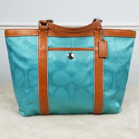 Coach Handbags - Coach bag No. A0920-F13560 Gallery Tote